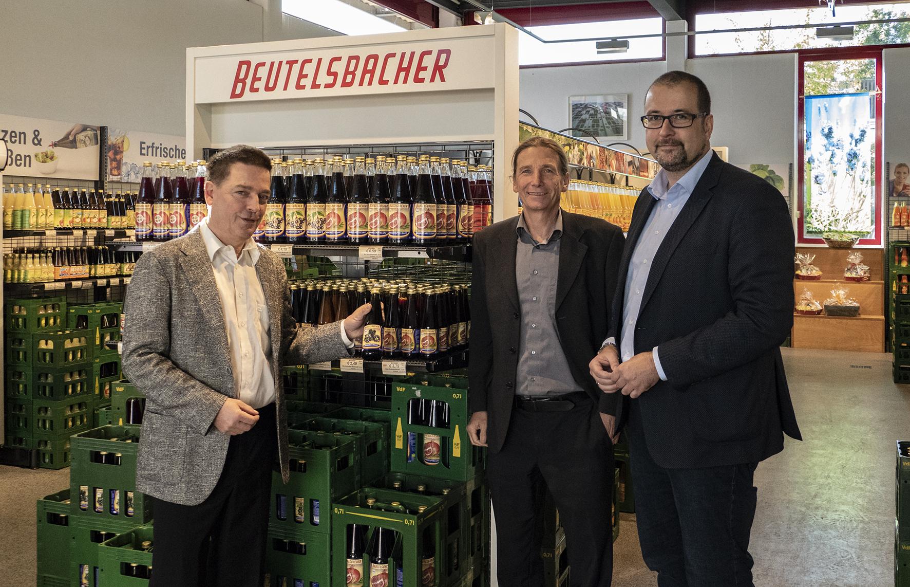 Die Geschäftsführer Thomas und Matthias Maier mit Herrn Oberbürgermeiser Scharmann (v.l.)