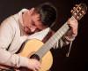 Rodrigo Guzmn mit Gitarre
