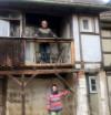 Klaus und Jutta Rühle zeigen die Renovierungsarbeiten an ihrem Gebäude