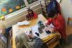 Kinder in der Notbetreuung in einer Kindertagesstätte