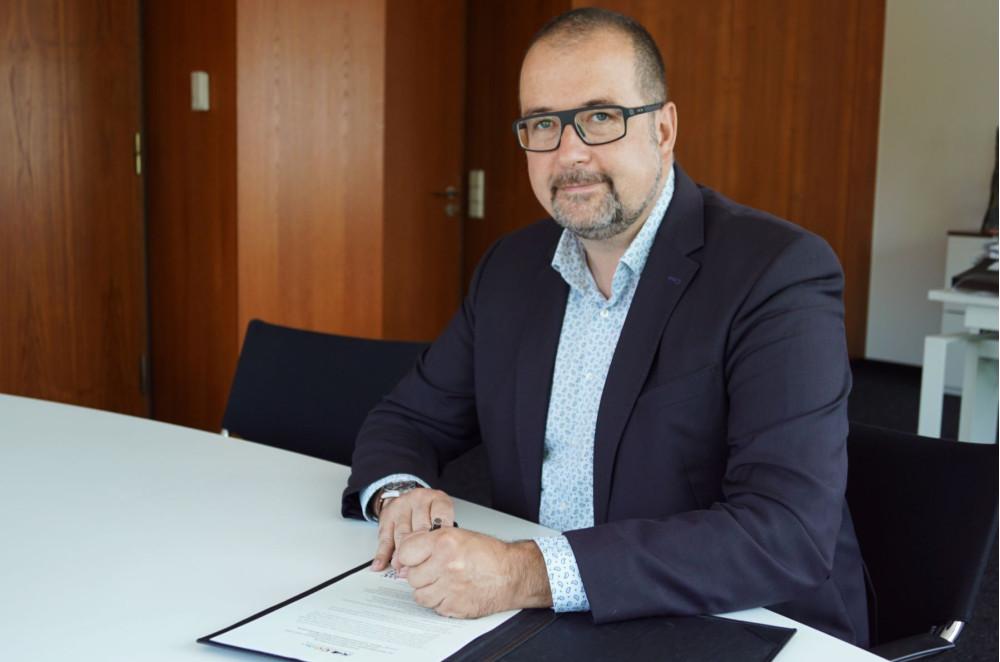 OB Scharmann unterschreibt Klimaschutzpakt