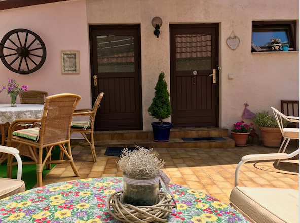 Terrasse/Eingang Sila 1